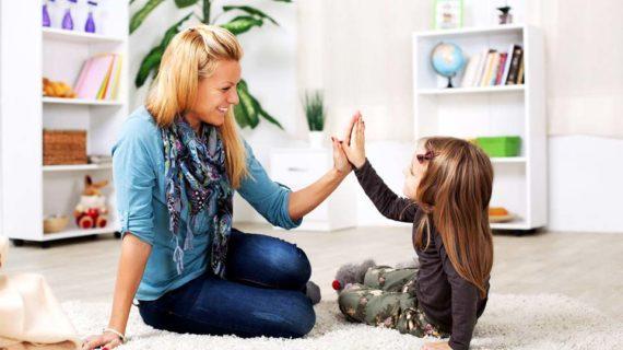 Cara Memberi Pujian Yang Membangun Kepribadian Anak