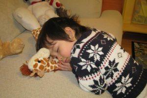 manfaat-tidur-siang-bagi-anak