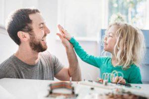 Cara-Memberi-Pujian-Yang-Tepat-Untuk-Anak