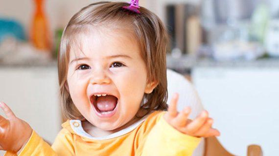 Tips Mendukung Perkembangan Kejelasan Bicara Anak